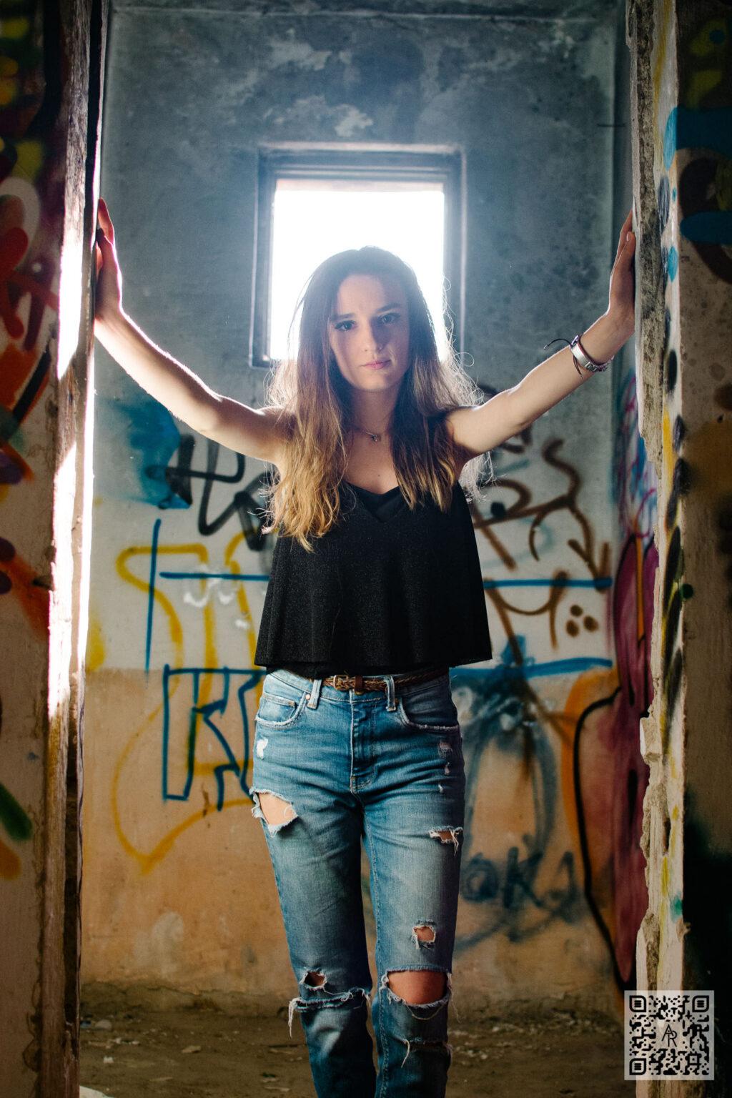 Bianca Hozan – Walls