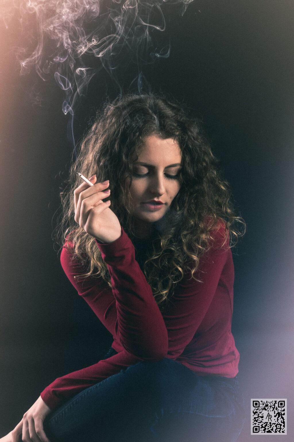 Ioana Ples – Dark Smoke