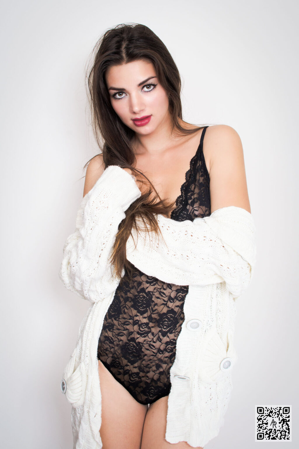 Larisa Ciorca – Black Lace
