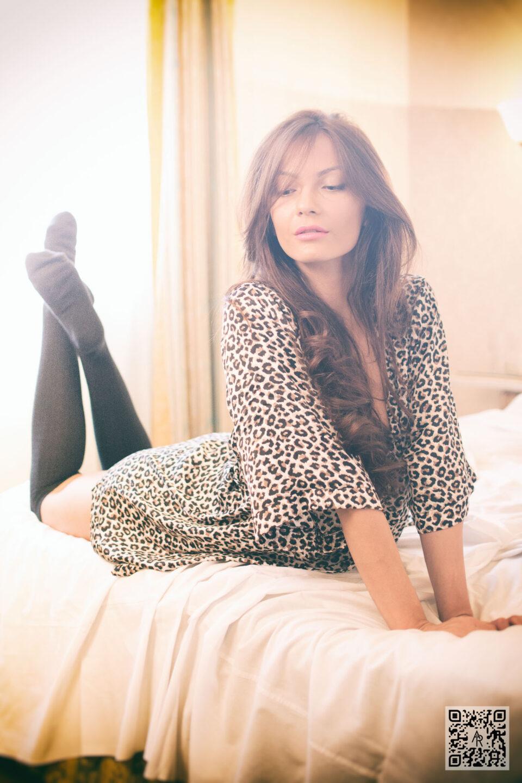 (M) Tina C - Classic Elegance - Aaron Roberts Photographer